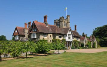 Cowdray House, a Manor House to Rent