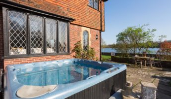 Hot Tub at Waterside House