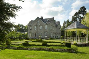 Lemore Manor, a House to Rent in the Midlands