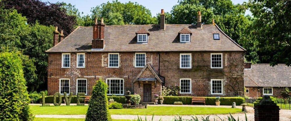 A manor house to rent, Solton Manor